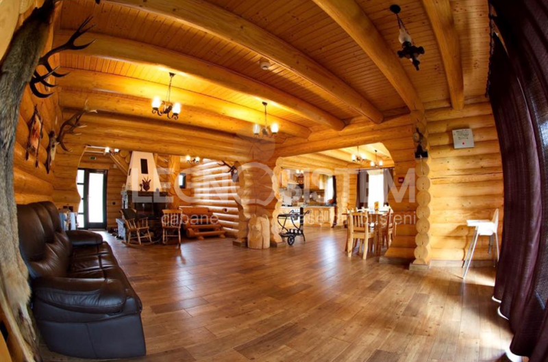 interior casa din lemn rotund